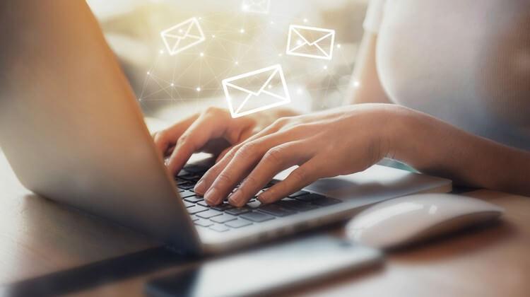 ارسال پیامک در نرم افزار صدور فاکتور آسانا